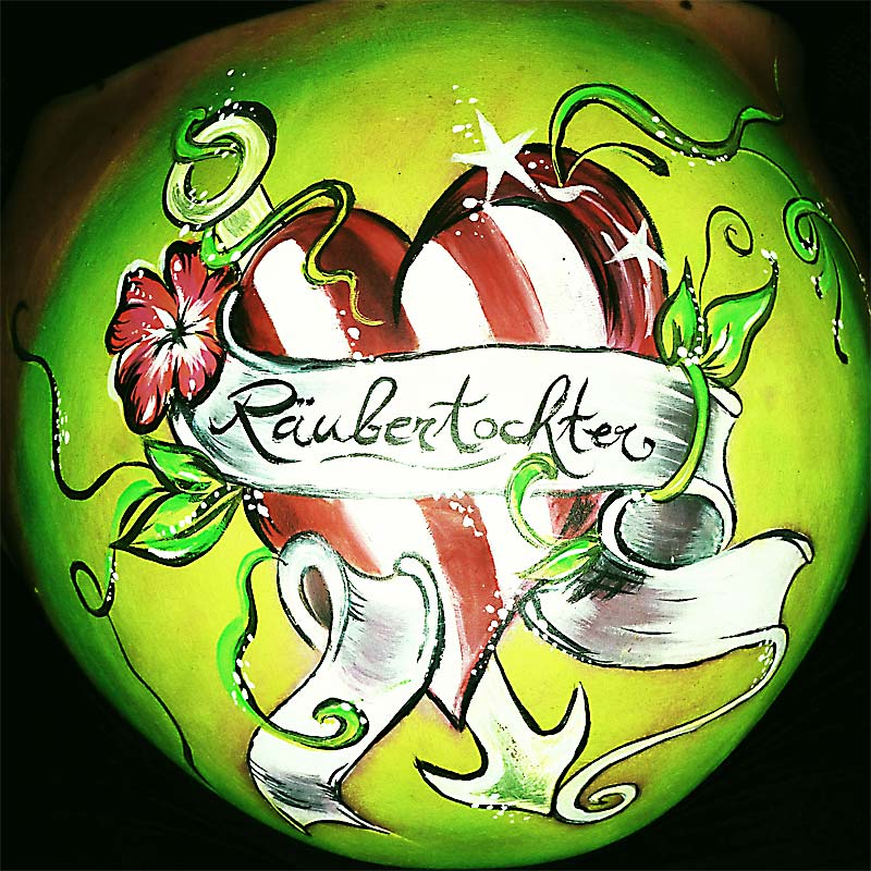 Belly Painting Räubertochter