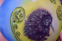 19 Belly Painting Kiwi